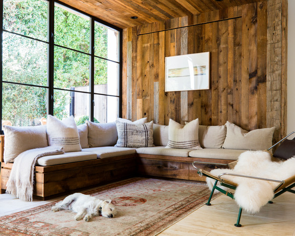 Rustic+Decor+sofa+beige+cushions+patterned+CWDsfKHx-pFl