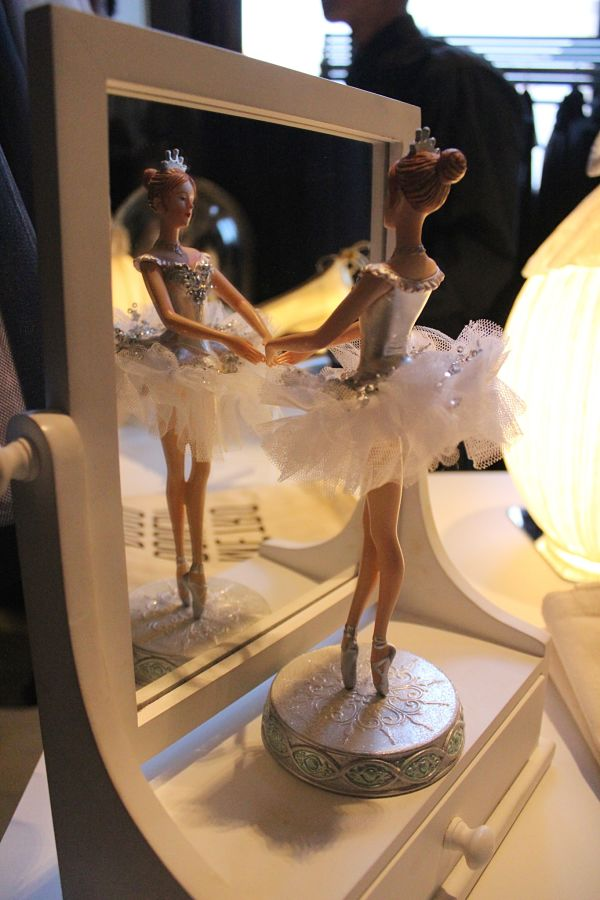 galerie-opera-de-parsi-ballerina-mdv