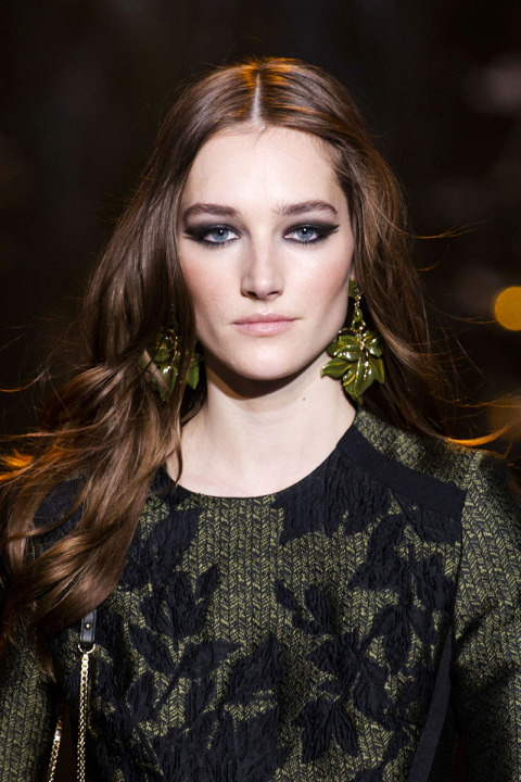 hbz-fw2015-hair-trends-long-wavy-elie-saab-clpi-rf15-2469