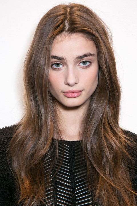 hbz-fw2015-hair-trends-long-wavy-ralph-lauren-bks-a-rf15-3478