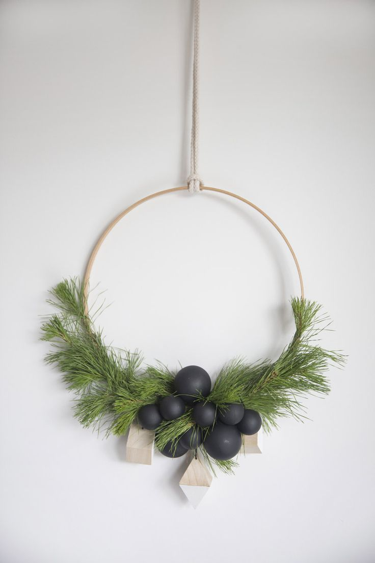 scandinavian-decor-for-christmas-wreath
