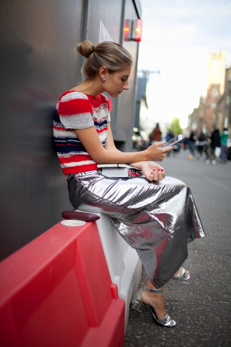 red-street-style-dress-up.4