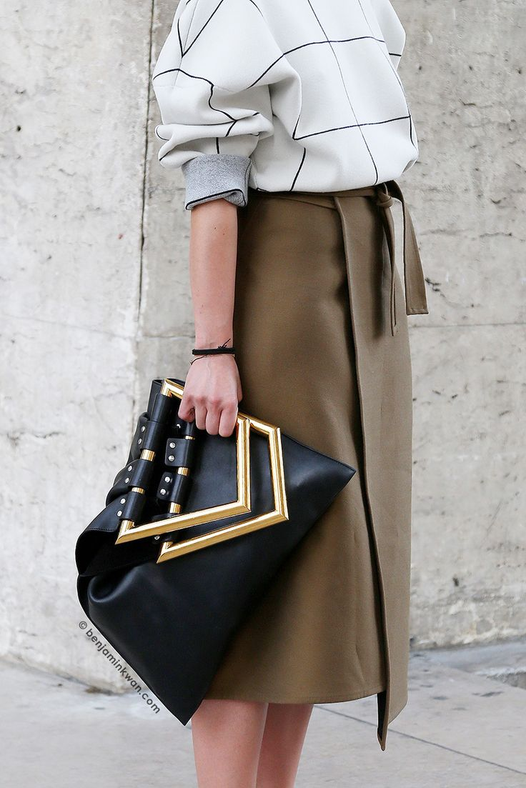 chic-minimalist-structure-street-style11