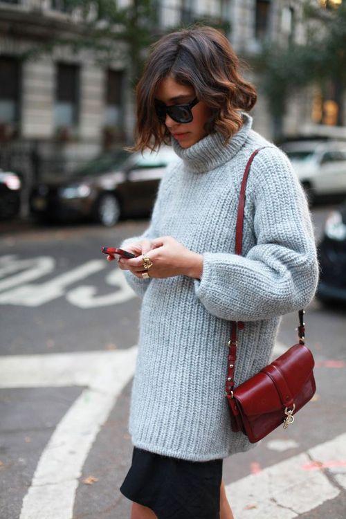 street-style-oversize-sweater-skirt-trend