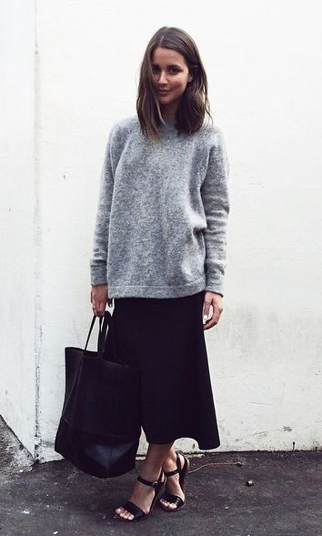 street-style-oversize-sweater-skirt-trend1
