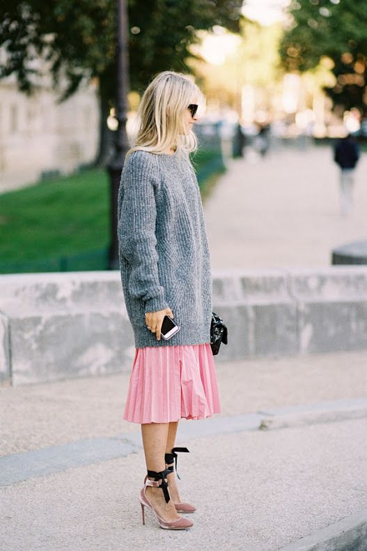 street-style-oversize-sweater-skirt-trend12