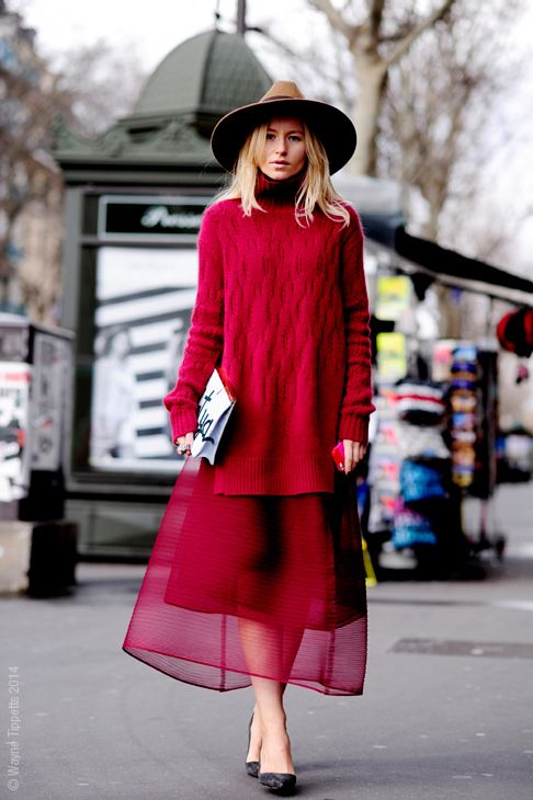 street-style-oversize-sweater-skirt-trend15