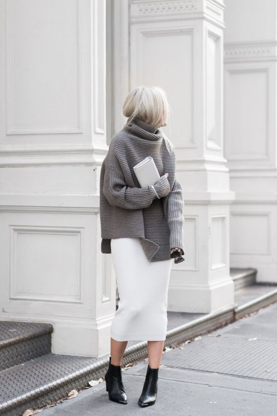 street-style-oversize-sweater-skirt-trend17