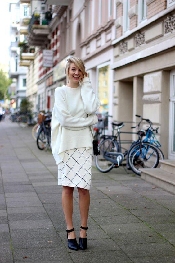 street-style-oversize-sweater-skirt-trend5