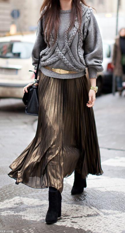 street-style-oversize-sweater-skirt-trend6