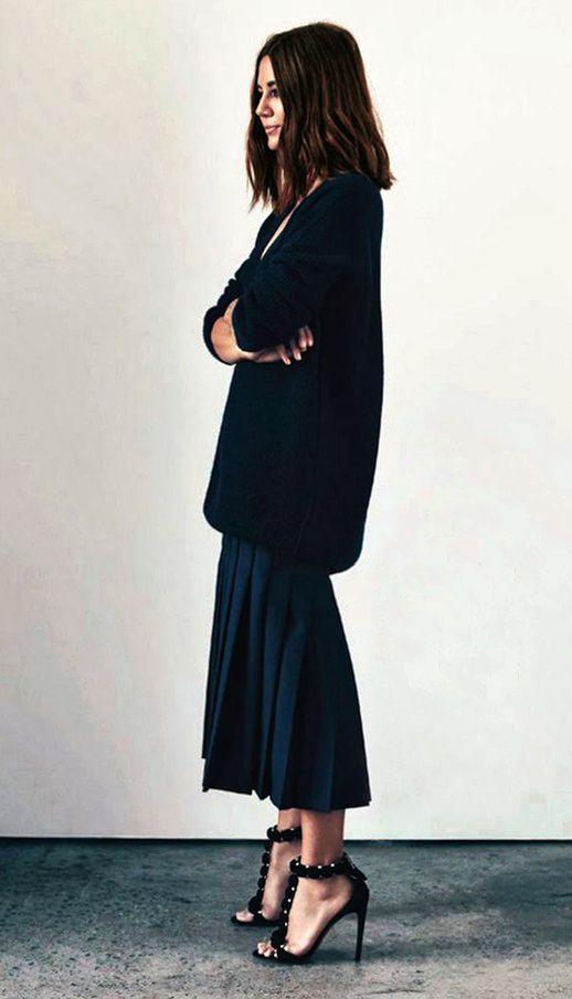 street-style-oversize-sweater-skirt-trend8
