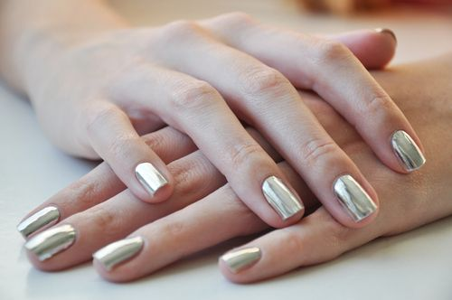 metallic-nail-polish1